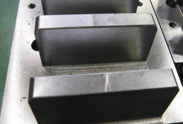 URチルトテーブル用 ラックギアサイズ:t110×W210×L1400 - はりま部品加工・機械組立.com