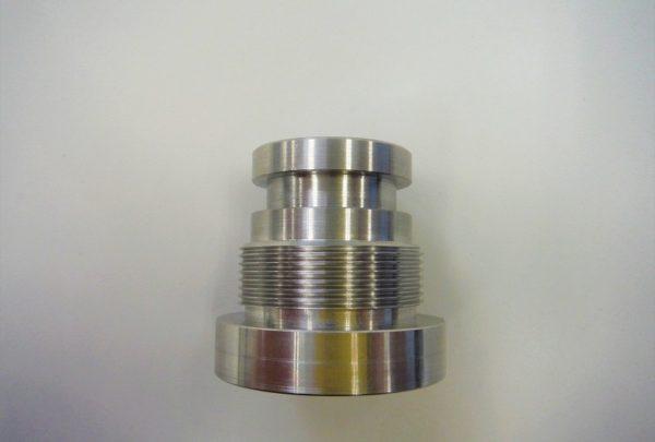 プレス加工機用 ロッドカバー用途:ロッドカバー - はりま部品加工・機械組立.com
